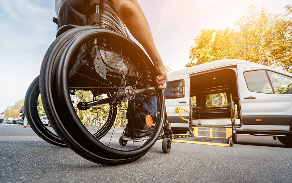 Transporting people with reduced mobility requires the most effective technology solutions. To provide infallible services, but also to reassure families who are often worried...